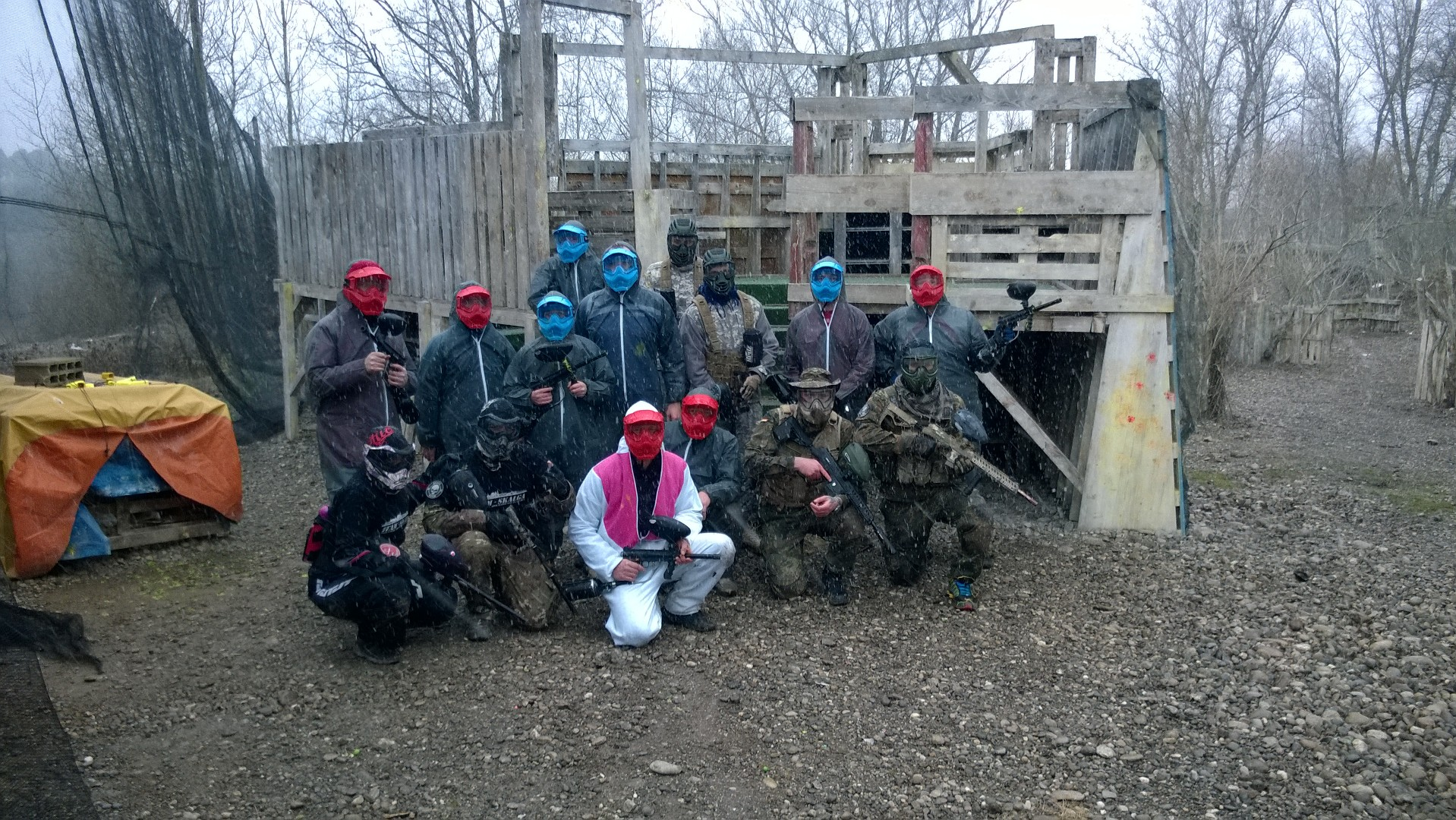 Wp 20150124 007 paintball inside for Paintball exterieur
